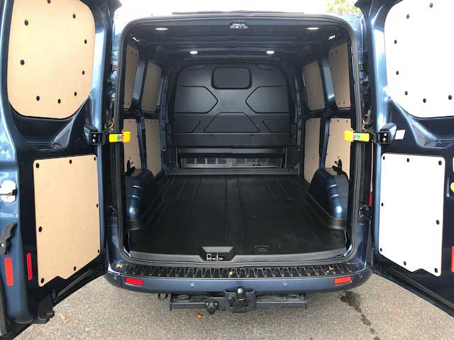ford-transit-custom-sport-chargement