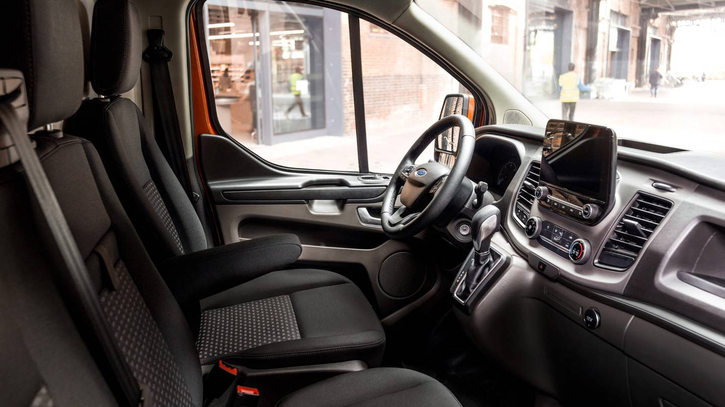 d couvrez le nouveau ford transit custom 2018. Black Bedroom Furniture Sets. Home Design Ideas
